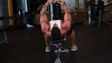 flat bench cable flyes 2